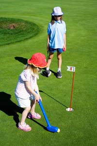 Kids-play-Golf