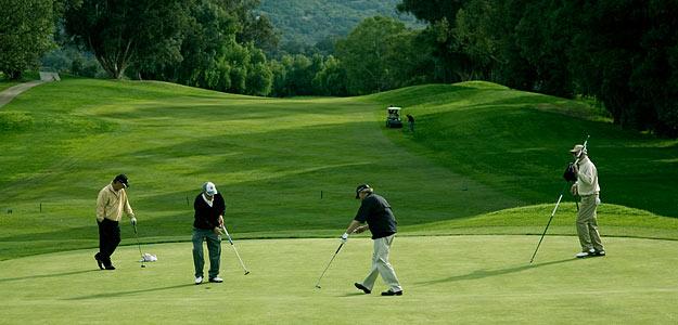 group-golf