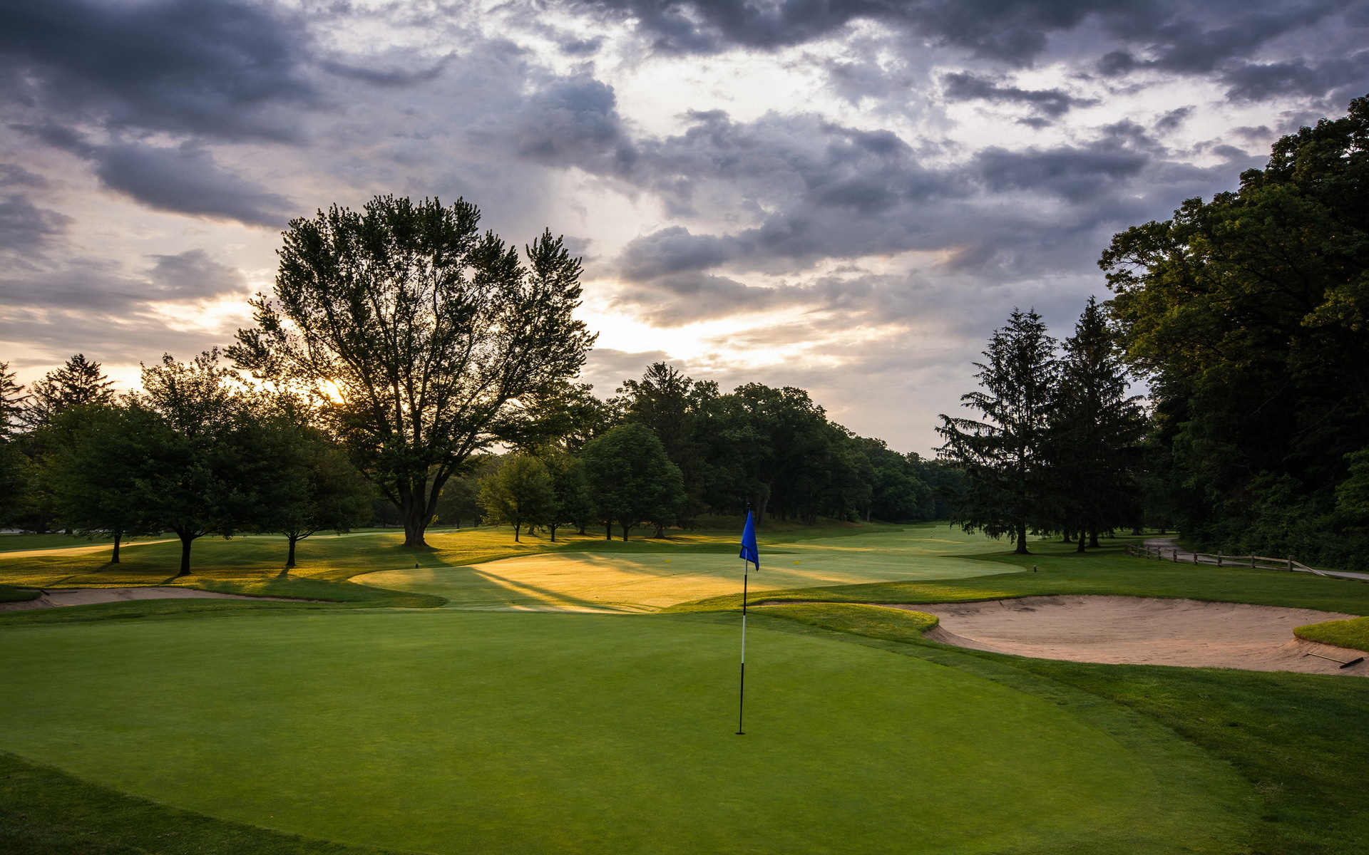 pole-dlya-golfa